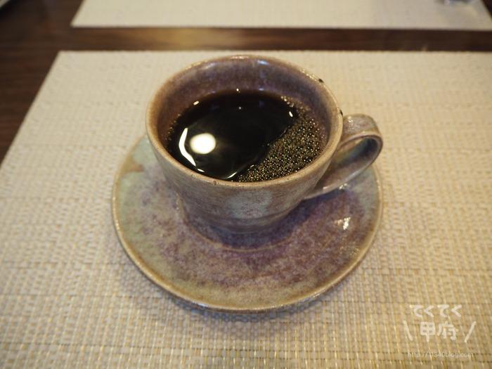 山梨・甲府市和戸-フォーレスト・カフェ