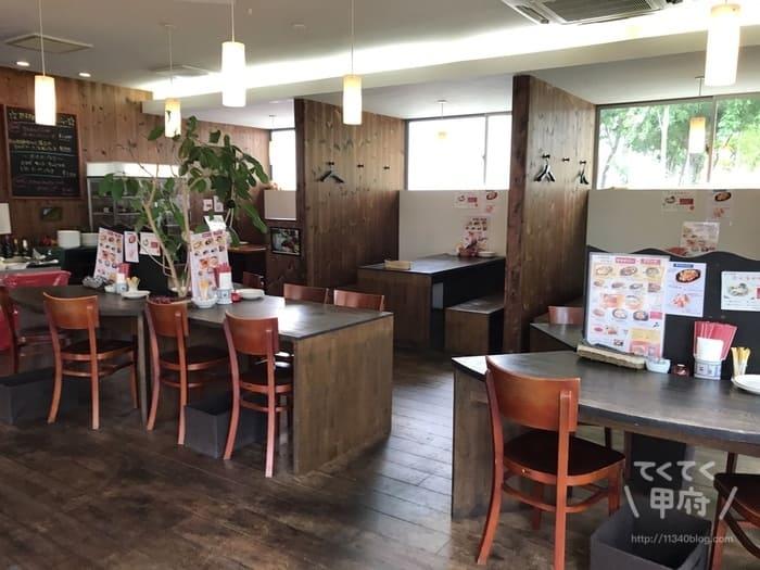 山梨県中央市-れんが亭(店内)
