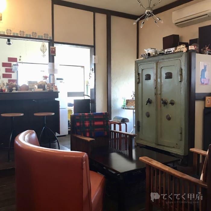 山梨県甲府市・甲府駅北口-DOux CAFE(ドゥカフェ)店内