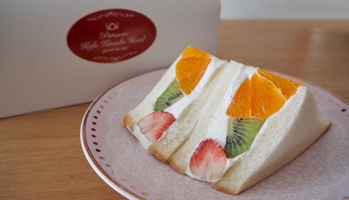 【甲府記念日ホテル ウィステリア】フルーツサンドとパンダシュークリームが可愛くて美味しい
