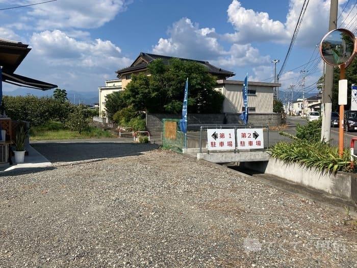山梨県中巨摩郡昭和町-FUKASAWA COFFEE ROASTERY(フカサワコーヒーロースタリー)駐車場