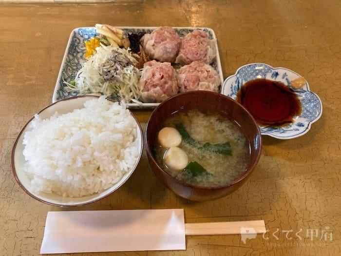 山梨県甲府市-食事と喫茶 椿(ランチの焼売定食)