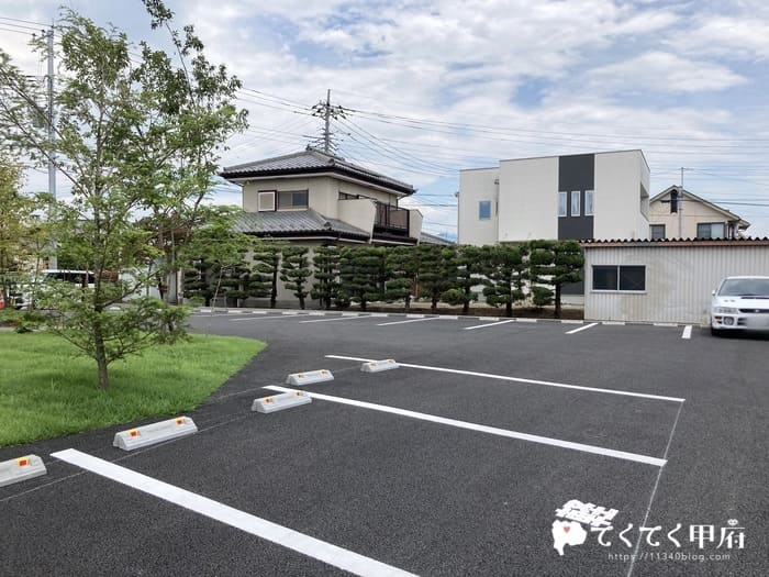 山梨県中巨摩郡昭和町-タノカンダ珈琲(駐車場)